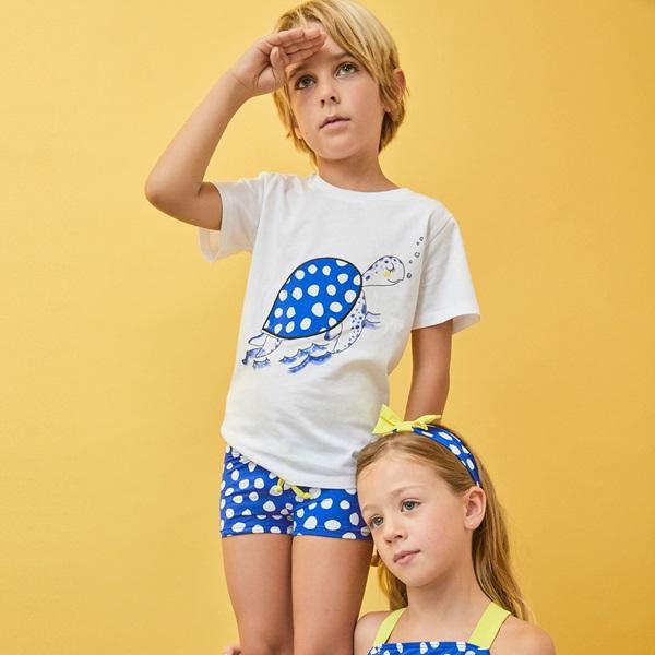 Image de Camiseta de niño en blanco con print tortuga