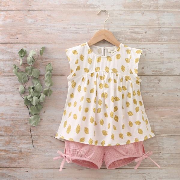 Imagen de Conjunto blusa y short bebé de bambula blanco, mostaza y rosa