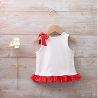Imagen de Camiseta bebé niña volante rojo y estampado de calavera