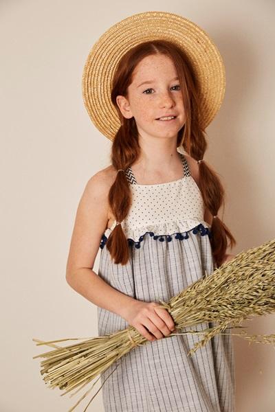 Imagen de vestido niña porcelana tirantes con bolitas azules