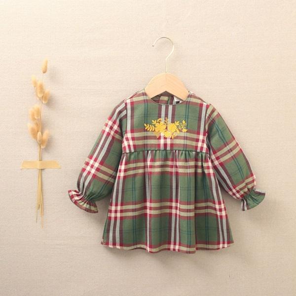 Imagen de Vestido de bebé niña cuadros verde-granate escoceses