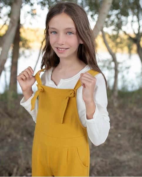 Imagen de Peto de niña teen felpa mostaza