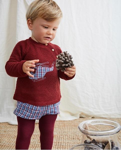 Imagen de Conjunto de bebé con jersey granate bordado de helicóptero y pololo de cuadros