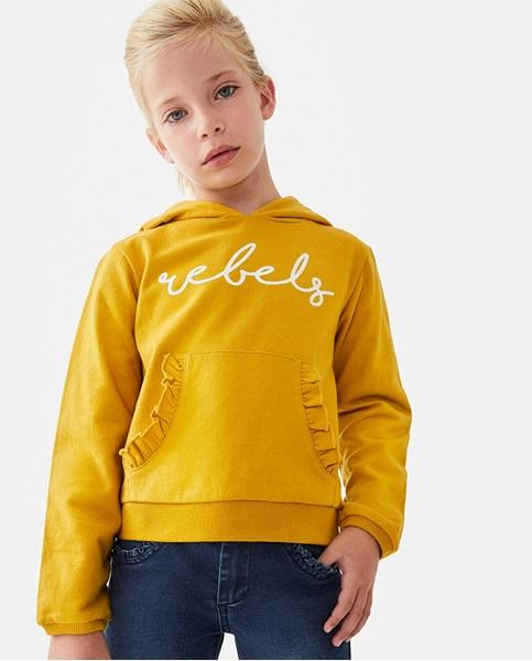 Imagen de Sudadera de niña mostaza con capucha y bolsillo canguro